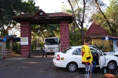 Такси у отеля в Гоа