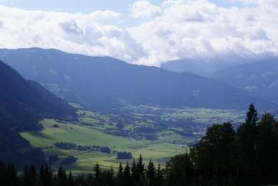 Вид с балкона Panorama Berghotel