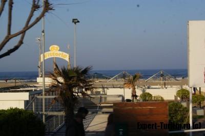 Пляжи Римини, март