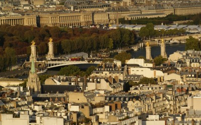 Эйфелева башня, вид на город Париж