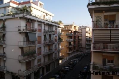 Отель B&B Living, вид с балкона 2