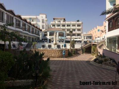 Вид на главный корпус Minamark Beach Resort 4