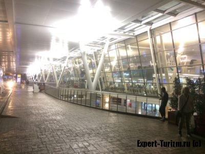Зона вылета Международного Аэропорта Пхукет