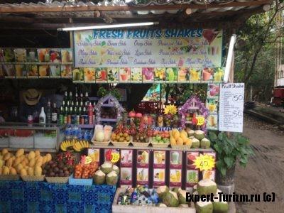 Торговцы фруктами, Пхукет, Тайланд